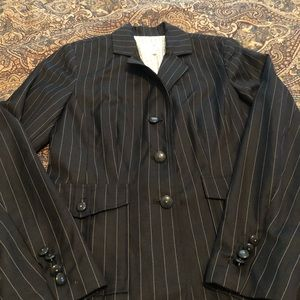 Black and white pinstripe blazer sz 4